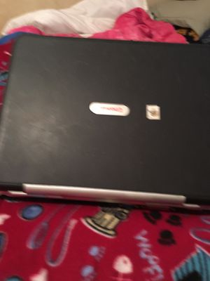Compaq presario r3000 windows xp works good just needs charger for Sale in Evansville, IN