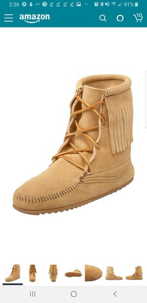 Minnetonka ankle fringe boots for Sale in Antioch, CA