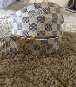 Louis Vuitton size 32/34 white Damier belt for Sale in Delmont, PA