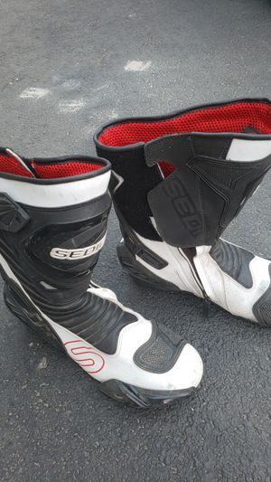 Sedici Ultimo motorcycle boots for Sale in Tempe, AZ
