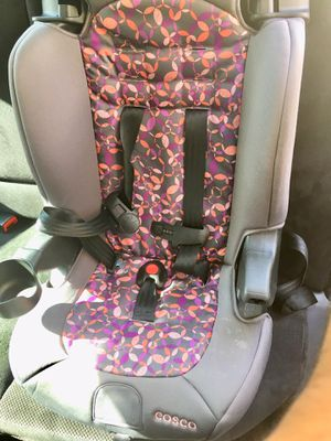 Car seat front face in good condition... only 5 months used for Sale in Maryland Heights, MO
