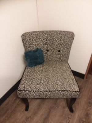 Accent chair for Sale in East Wenatchee, WA