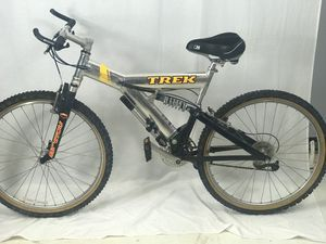 "1997 Men's Trek Mountain Bike Full Suspension 8-Spd ""26 Wheels Chrome- 19"" for Sale in Elkridge, MD"