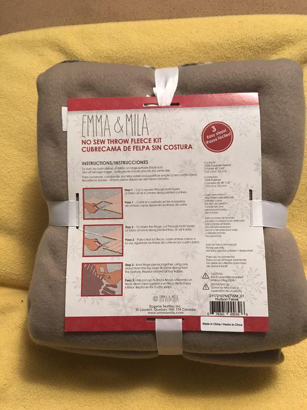 Emma and Mila Animal Print No Sew Throw Fleece Kit