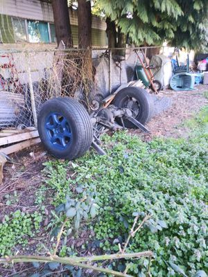 2005 gmc chevy 4x4 Rear Axel. 5Lock tires for Sale in Seattle, WA