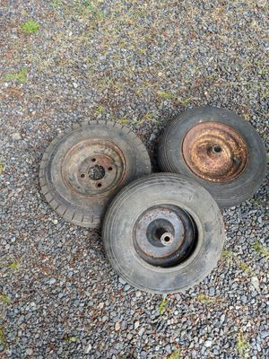 Three tires for Sale in BETHEL, WA