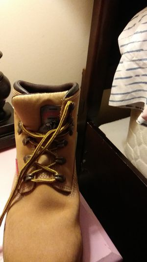 Survivors, women's steel toed work boots size 7 worn 1 × for Sale in Columbia, SC