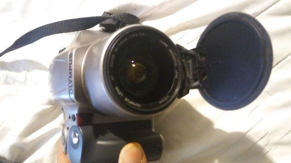 Olympus IS-20 DLX QD 35mm SLR Film Camera