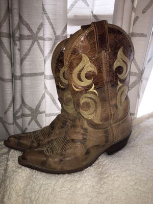 Cowgirl boots size 9 1/2 for Sale in Farmerville, LA