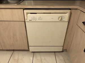 Kenmore Dishwasher for Sale in North Miami Beach, FL
