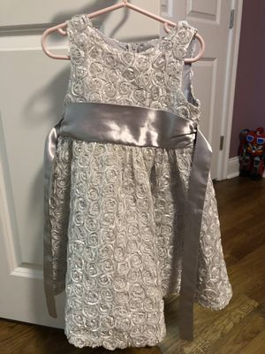 Girls Party silver dress size 4t pick up for Sale in Cumberland, RI
