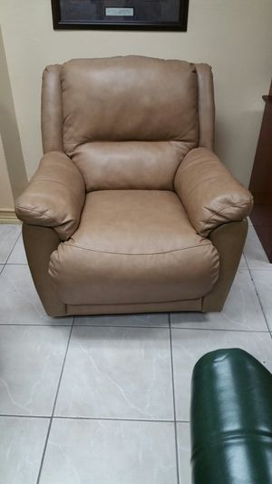 leather recliner for Sale in Hialeah, FL