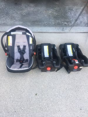 Baby car seat with two base for Sale in Warren, MI