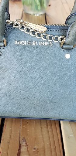 Michael Kors MINI crossbody for Sale in Fresno,  CA
