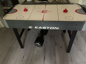 Kids air hockey table for Sale in Coral Gables, FL