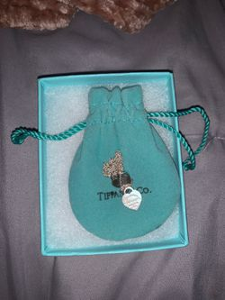 Tiffany's double heart necklace for Sale in Valley Center,  CA