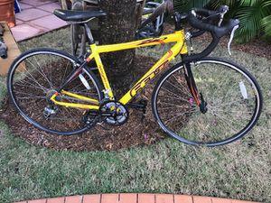 Felt road bike Z90 for Sale in Miami, FL