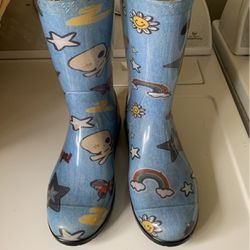 Ugg Rain Boots for Sale in Snohomish,  WA