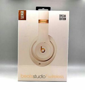 Beats Studio 3 Special Edition wireless for Sale in The Bronx, NY