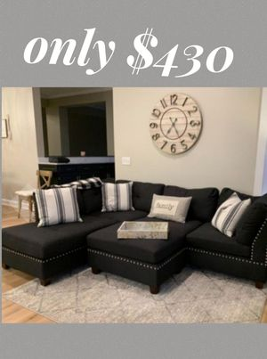 Brand new in box black sectional sofa includes ottoman- reversible chaise for Sale in Long Beach, CA