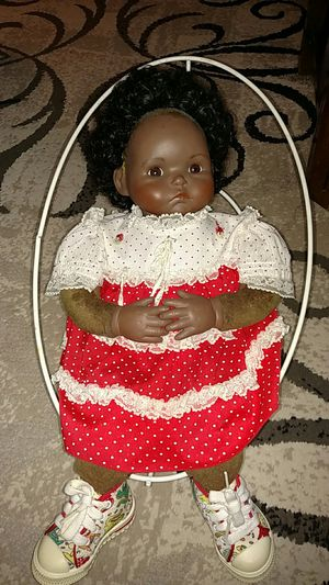 Porcelain and cloth doll 22 inches for Sale in Frostproof, FL