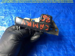 OEM 1992 1993 1994 TOYOTA CAMRY PASSENGER RIGHT FRONT INTERIOR DOOR HANDLE for Sale in Miami Gardens, FL