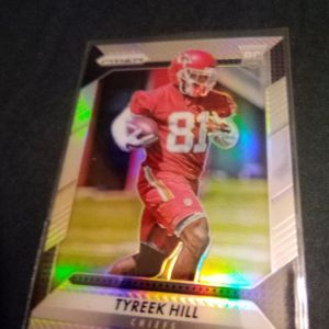 2017 Prism Tyreek Hill Rookie Card #296 for Sale in Redmond, OR