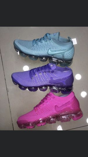 Nike Vapormax Size 5.5 for Sale in Dallas, TX