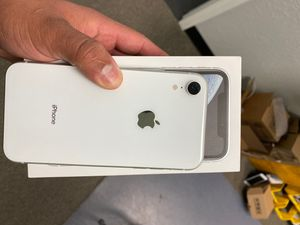 iPhone XR unlocked for Sale in Haines City, FL