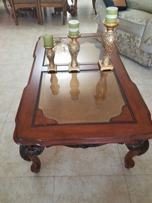 2 pcs wood living room tables with glass top for Sale in Hialeah, FL