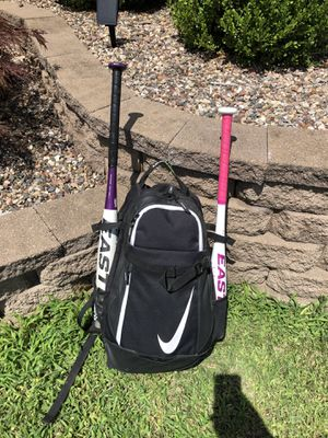 Softball Gear - Bag, composite bats, glove, helmet, and face guard for Sale in Dardenne Prairie, MO