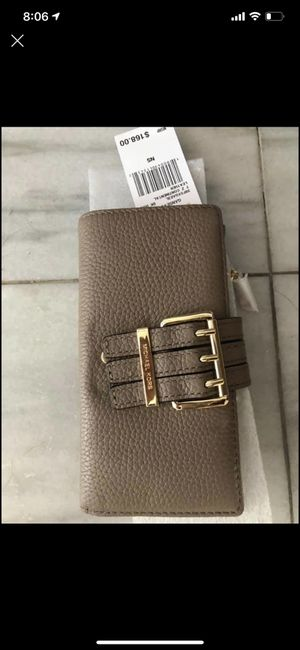 Brand new with tags Michael Kors wallet for Sale in Hayward, CA