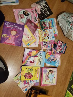 FREE little girls reading books for Sale in West Covina, CA