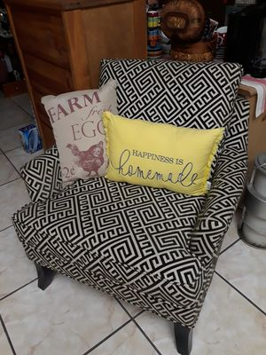 Accent Chair, large for Sale in Miami, FL