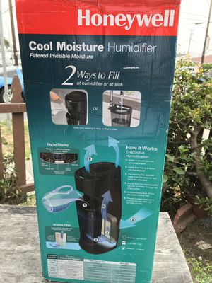 Honeywell Cool Moisture Tower Humidifier for Sale in Torrance, CA