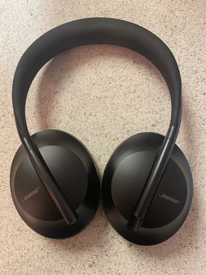 ose Noise Cancelling Wireless Bluetooth Headphones 700 for Sale in San Diego, CA