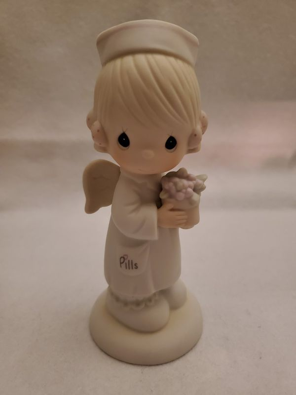 Precious Moments : Angel of Mercy *Vintage 1986*