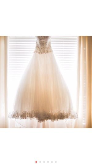 David tutera wedding dress for Sale in Puyallup, WA