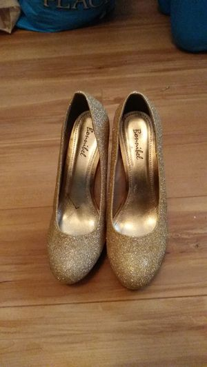 Gold glitter heels for Sale in Smyrna, DE