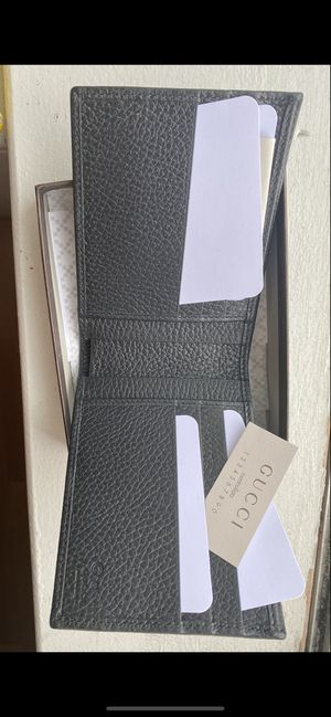 Brand new Gucci wallet man for Sale in Chicago, IL
