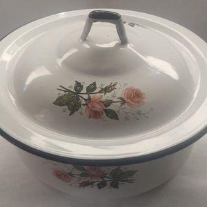 Enamelware Pot w/lid for Sale in Allen, TX