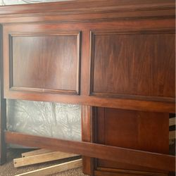 Wood Bed Frame Set for Sale in St. Louis,  MO