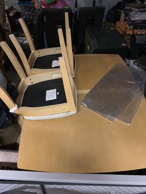 Kitchen / Dining Table for Sale in Victorville, CA