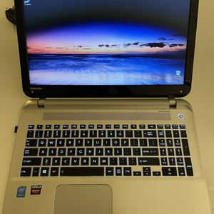 TOSHIBA LAPTOP (super fast) for Sale in Huntington Beach, CA
