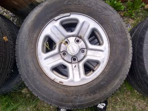 4 Jeep rims p22 75r16 for Sale in Sandy Spring, MD