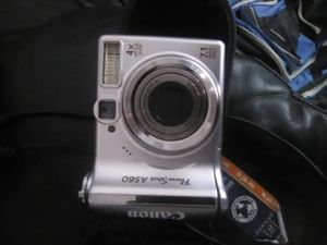 Cannon digital camera works good no has no charger for Sale in Chula Vista, CA