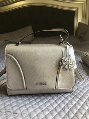 Guess purse for Sale in Manteca, CA