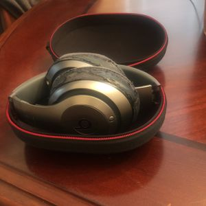 Beats Studio Version 1 for Sale in Poughkeepsie, NY