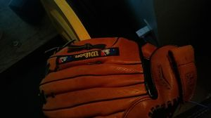 "Wilson leather mitt11"" for Sale in Portland, OR"