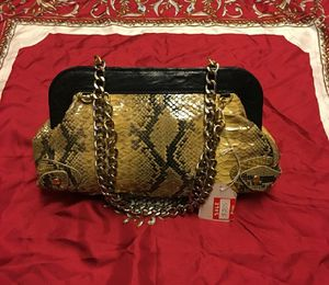 AUTHENTIC python bag w/heavy chains pink INTERIOR for Sale in Dallas, TX